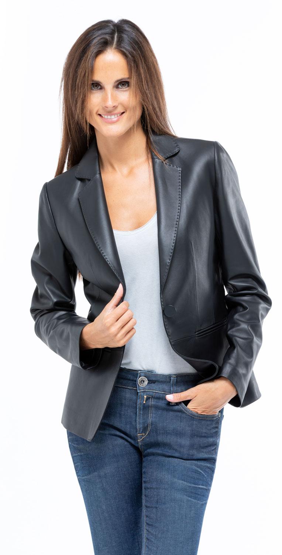 Veste blazer courte en cuir d'agneau hermes, Cesare Nori Camelia Rouge | Cesare Nori, depuis 1955